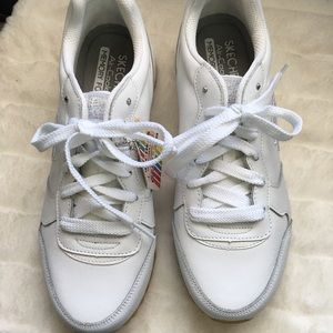 Skechers White Tennis Shoes with Rhinestone 9
